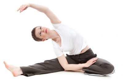 a woman doing the gallbladder and liver makko ho stretch